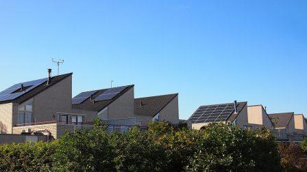 napelemes házak