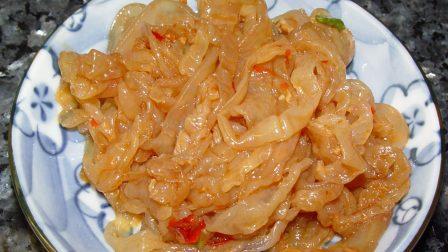 Jellyfish_sesame_oil_and_chili_sauce-1