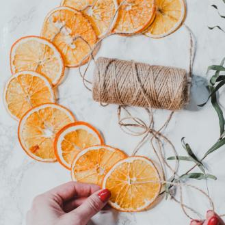 szárított narancs díszek