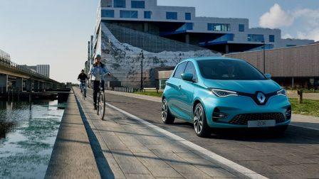 Változó trendek mellett folyamatos növekedés az elektromos autók világában