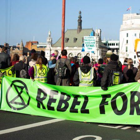 Az Extinction Rebellion a bankok ökológiai felelősségére reflektál új kampányában