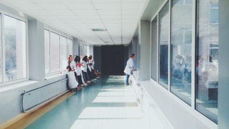kórház-1