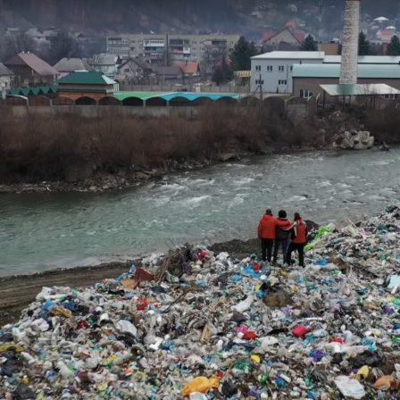 A Tisza nevében – új dokumentumfilm a folyó hulladékproblémájáról