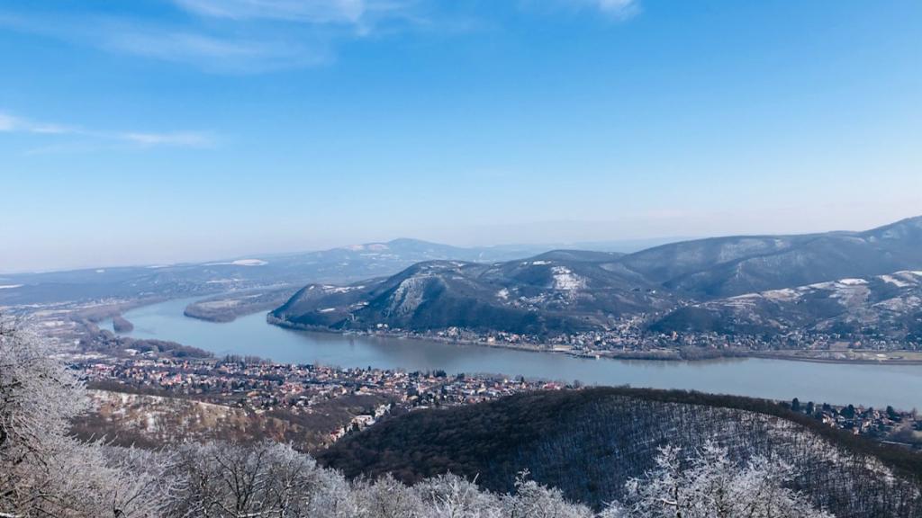 Dunakanyar hegyek falu