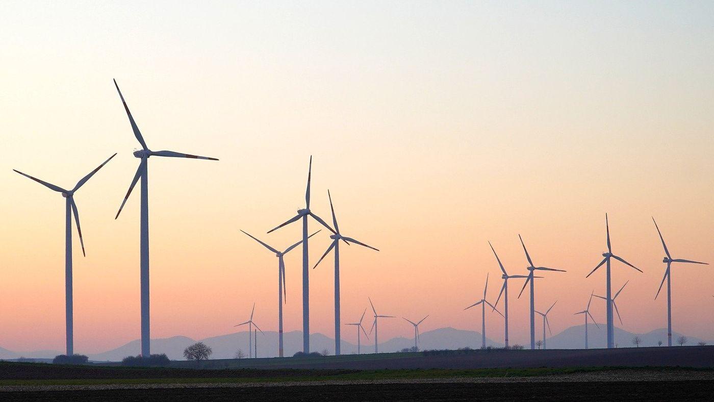 Az EU felülvizsgálta ipari stratégia tervezetét a zöld átállás felgyorsítása érdekében