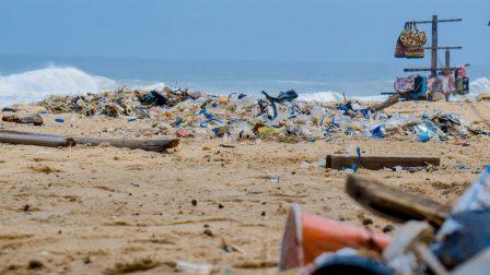 szennyezett-tengerpart