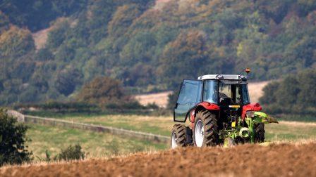 mezőgazdaság traktor