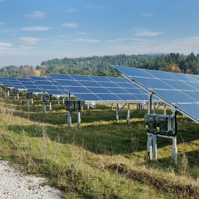 A tavalyi megtorpanás után idén újra nőhet a energiaszektorba irányuló globális befektetések mértéke