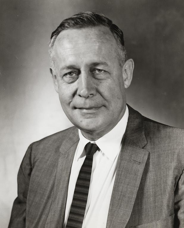 Roger Revelle 1964-es portréja, fotó: UC - The Regents of the University of California