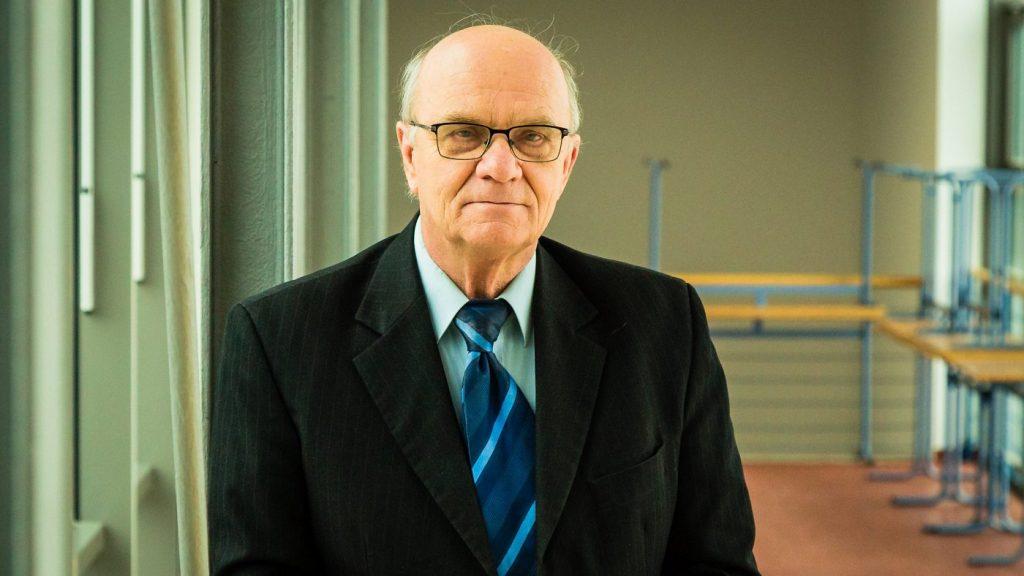 Dr. Szakál Pál