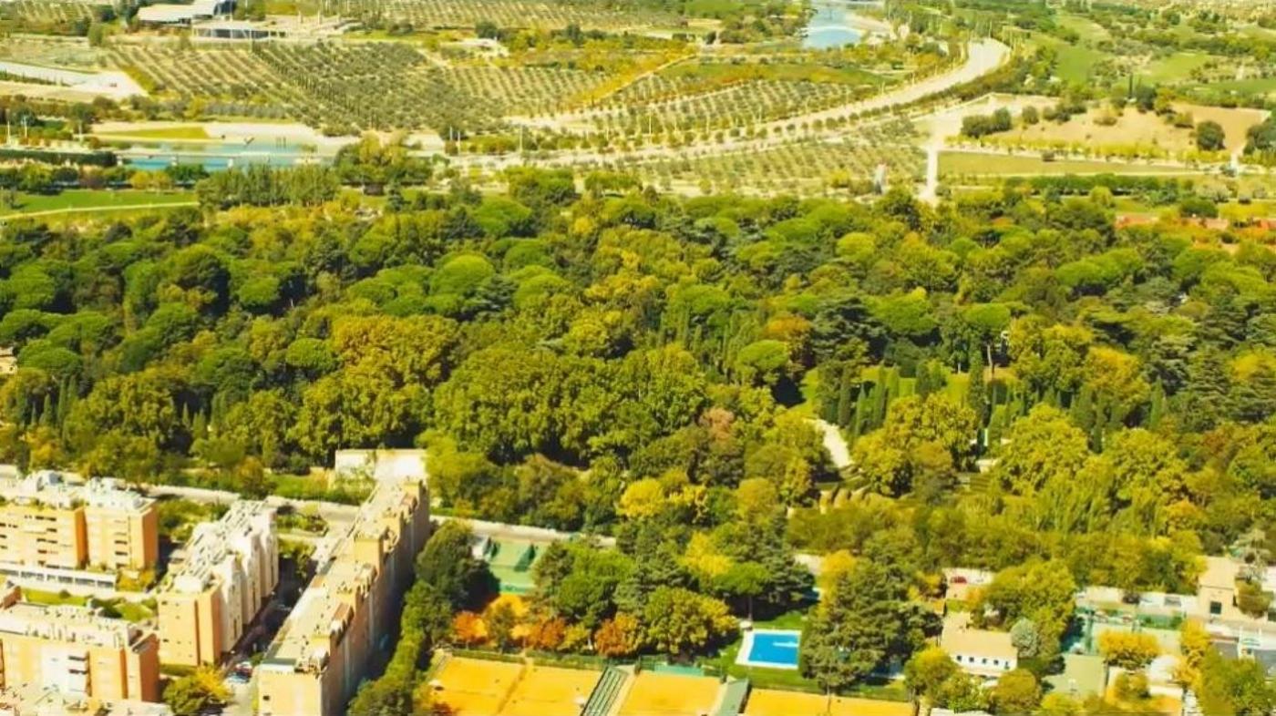 Zöld fallal veszik körbe Madridot