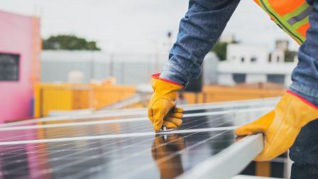 solarpanelworker