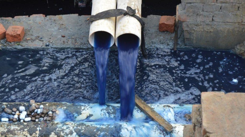 szennyvíz mérgező ruhák  textil