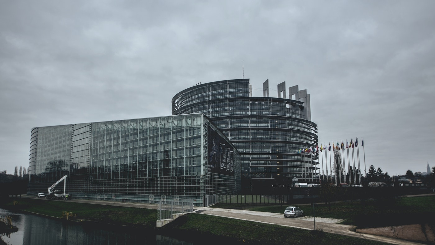 Az uniós jogalkotók a zöld befektetési szabályok mellett