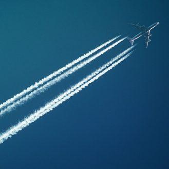 repülőgép az égen
